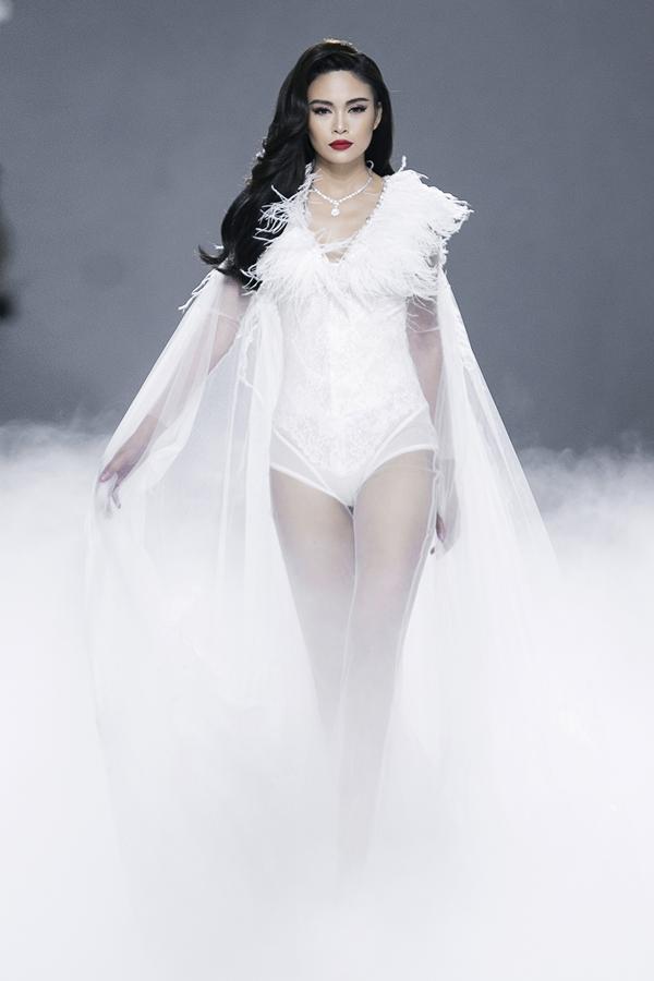 Mâu Thủy là nàng thơ quen thuộc của Lý Quí Khánh.