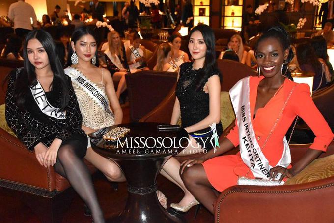 Hoa hậu Đại dương 2017 (ngoài cùng bên trái) cùng các thí sinhMiss Intercontinental 2018.