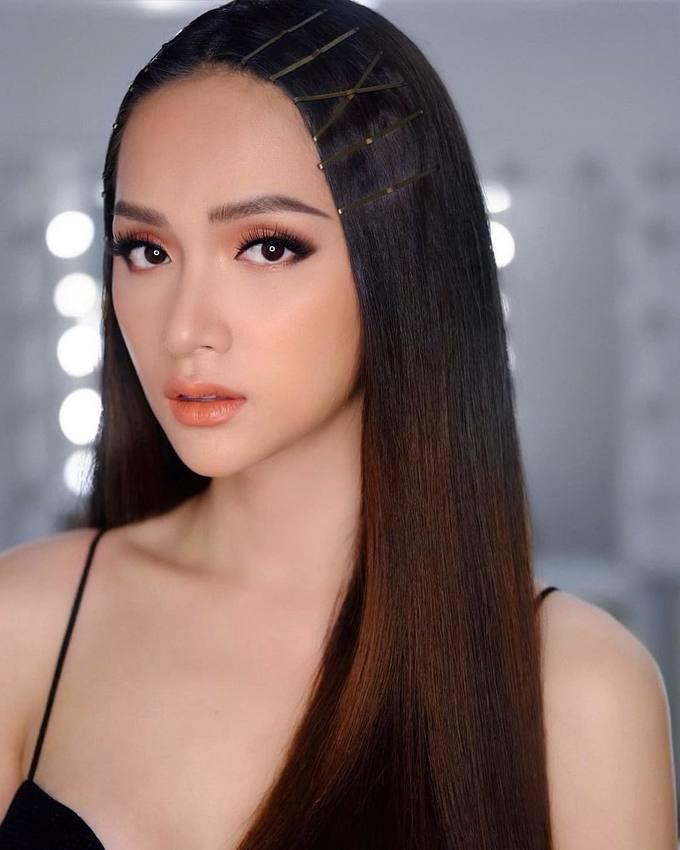 Hương Giang Idol chăm chỉ 'biến hóa' với đủ kiểu tóc