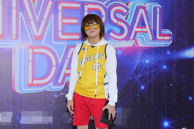 Thiên Khôi - quán quân Vietnam Idol Kids chuộng phong cách năng động.