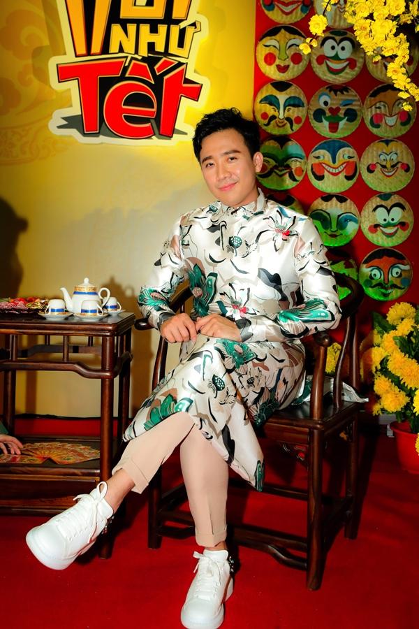 MC Trấn Thành tiếp tục trở lại chương trình với vài trò MC.