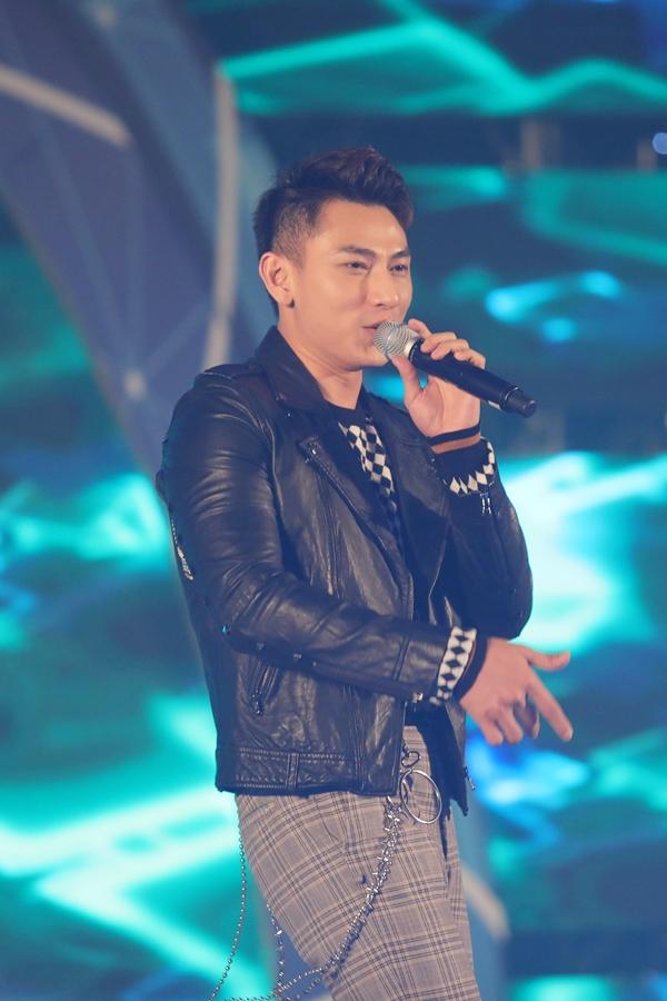 Hari Won gợi cảm, Minh Hằng kín bưng dự event - 6