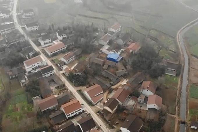 Nhà của Zhang Koukou và ba nạn nhân ở trong cùng một ngôi làng tại Hán Trung, tỉnh Thiểm Tây, Trung quốc. Ảnh: Hanzhou.