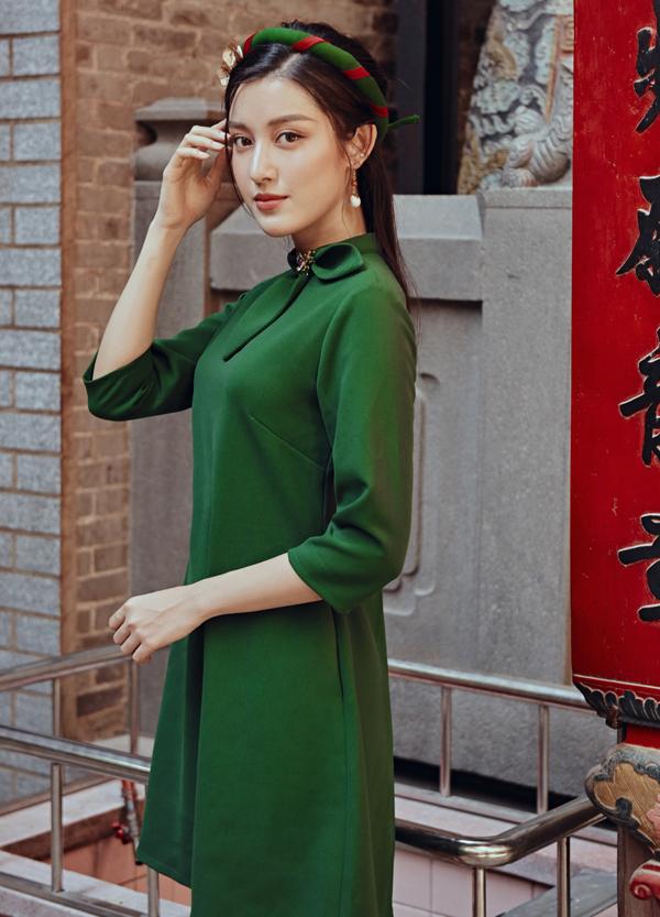 Phụ kiện khăn vấn tạo vẻ duyên dáng, nền nã cho phái đẹp khi diện áo dài đi chơi Tết.