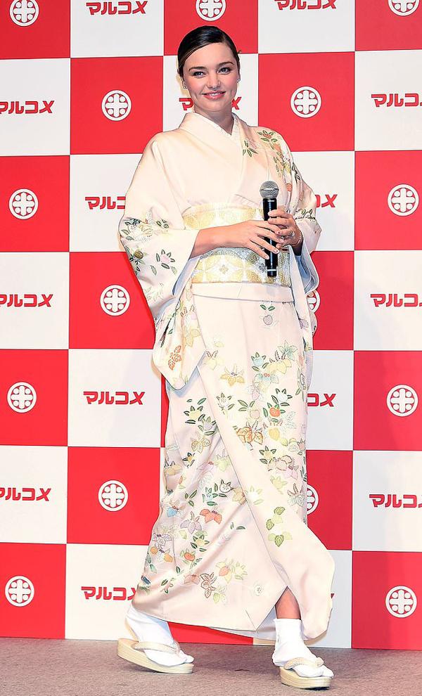 Miranda đã làm gương mặt đại diện của thương hiệu này nhiều năm nay. Cô được khán giả Nhật rất yêu quý.
