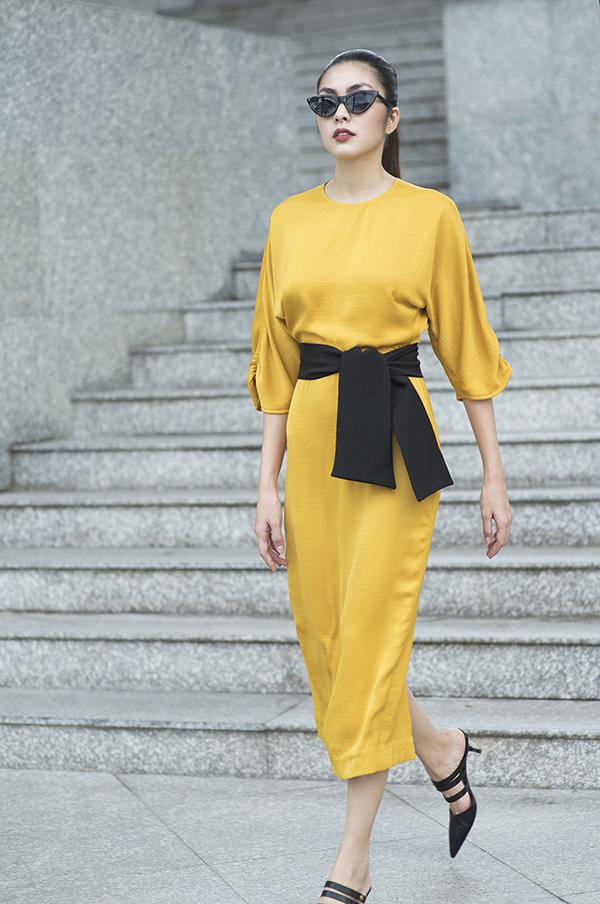 Sau khi tạo dấu ấn trong fashion show với vai trò nhà thiết kế,Tăng Thanh Hà tự tin giới thiệu những mẫu trang phục mớinhất dành cho dịp Tết Nguyên đán.