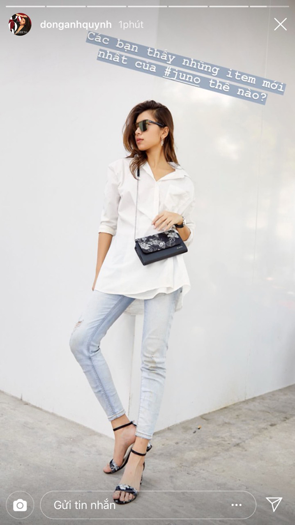 Những đôi giàyvới họa tiếtmây, hoa mẫu đơn cách điệu lạ mắt, đậm chất Việt được thêu một cách tỉ mỉ trên nền màu sắc khác nhau, tạo cảm giác nhã nhặn và nền nã, phảng phất chút cổ điển, phá cách. Giày cùng túi ton sur ton mang lại điểm nhấn cho Đồng Ánh Quỳnh dù diện trang phục quần jeans và sơ mi tối giản.