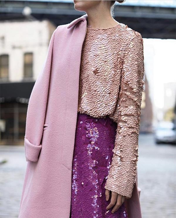 Khi kể đến những gam màu hot nhất xu hướng xuân hè 2019, không thể không nhắc đến sắc hồng đậm chất nữ tính.