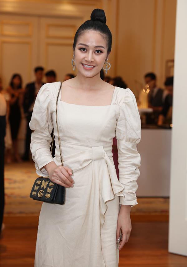 MC Phí Linh cũng vào Sài Gòn dự đám cưới của đàn anh.