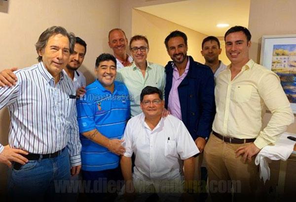 Maradona gửi lời cảm ơn các bác sĩ sau khi phẫu thuật thành công.
