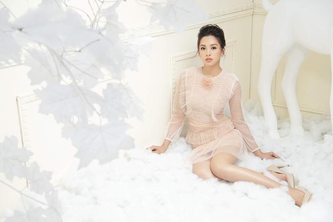 Nhiếp ảnh: Milor Trần - Stylist: Trần Đạt - Trang điểm: Quân Nguyễn - Làm tóc: Pu Lê.
