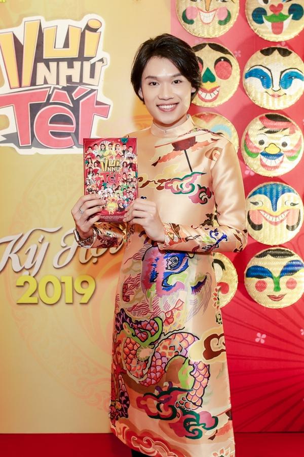 Nghệ sĩ Quang Trung đang được yêu thích qua vai diễn đồng tính trong phim Chị trợ lý của anh.