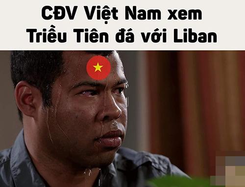 CĐV Việt Nam toát mồ hôi khi theo dõi trận đấu Triều Tiên - Lebanon.