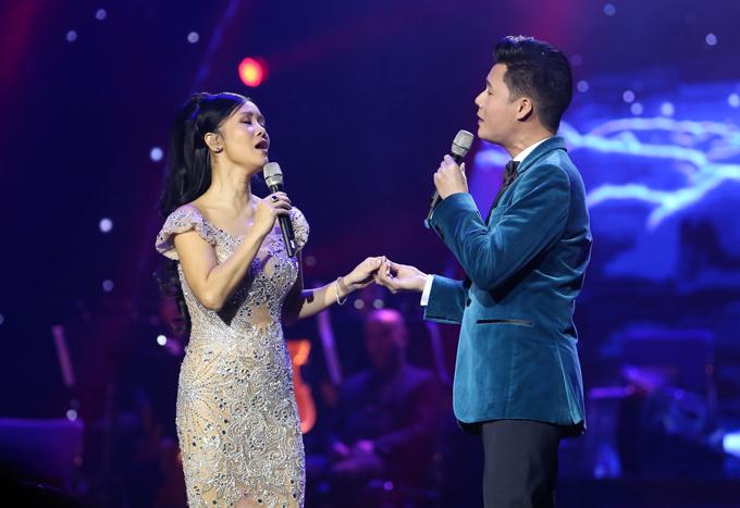 Diva nhạc Việt còn tái hợpbạn thân Quang Dũng. Cả hai hoà giọng trong nhạc phẩm Tình nhớ. Cả hai không chỉ là bạn bè gần gũi ở ngoài đời mà còn hợp tác, ra chung sản phẩm âm nhạc.