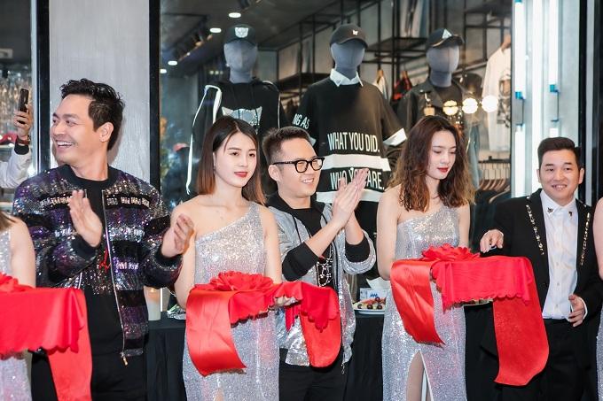Các thiết kế mang nhiều phong cách, được đầu tư chỉn chu, đảm bảo tính ứng dụng - độ trendy, giá thành hợp lý, thương hiệu đã chiếm được cảm tình từ nhiều đối tượng khách hàng khác nhau. Gần 2 năm ra mắt, Meuw Menswear đã có 4 cửa hàng tại Đà Nẵng, Hồ Chí Minh và mới đây nhất là ở Hải Phòng được khai trương vào ngày 15.1.2019