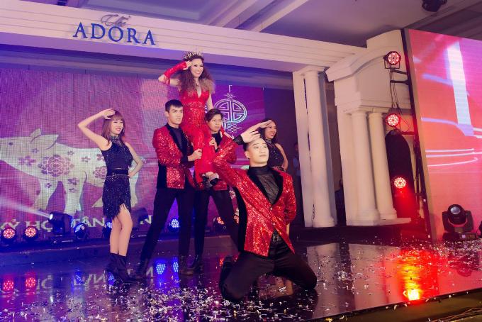 Lý Nhã Kỳ, Trương Ngọc Ánh dự tiệc tất niên của Hoa hậu Bùi Thị Hà - 7