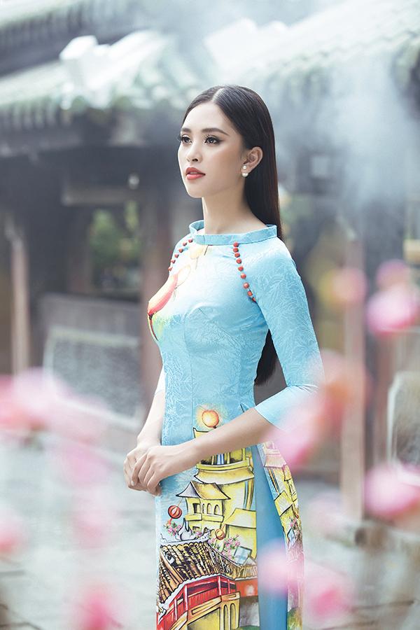 Vẻ đẹp của phố cổ Hội An đã tạo nên nguồn cảm hứng sáng tạo và giúp nhà mốt Việt xây dựng nên bộ sưu tập mới, mang tới nét phong phú cho áo dài mùa Tết năm nay.