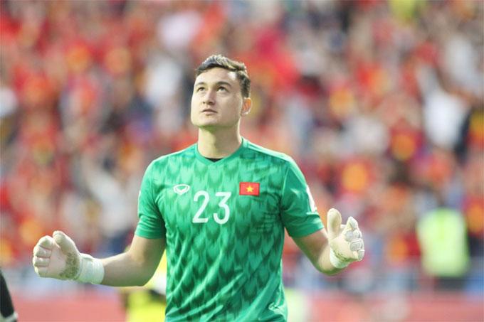 Thủ môn Việt kiều Nga đã thi đấu xuất sắc trong trận đấu gặp Jordan, góp phần mang chiến thắng về cho tuyển Việt Nam.