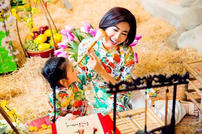 Thi thoảng khi sức khoẻ cho phép, Mai Phương nhờ người thân hoặc bạn bè trông nom Lavie để cô đi diễn cho một số chương trình từ thiện của chùa.