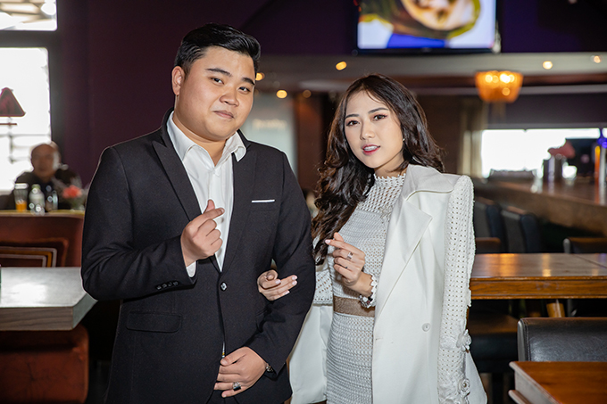 Trang Cherry và Dương Long tại họp báo chiều ngày 22/1.
