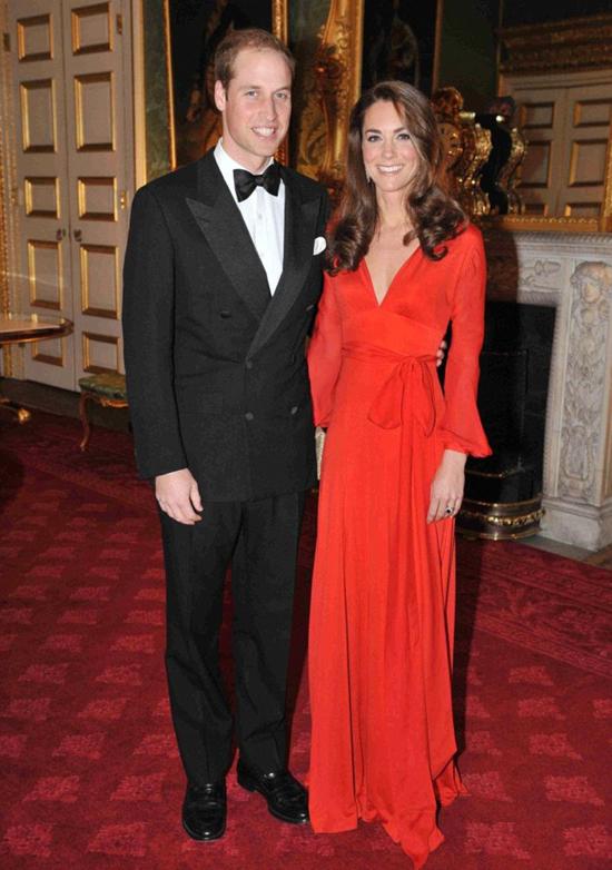 Kate mặc váy của Buelah trong tiệc từ thiện năm 2011. Ảnh: PA.