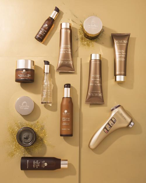DeAura Dor Mystere hoàn thiện chu trình chăm sóc da ngay tại nhà với 10 sản phẩm chăm sóc chuyên sâu.