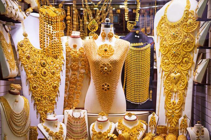 Hoa hậu Ngọc Hân được tỏ tình từ đầu đến cuối chợ vàng Dubai - 8