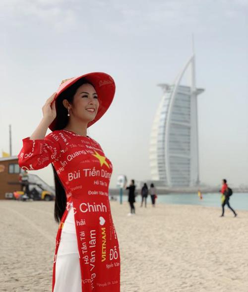 Hoa hậu Ngọc Hân được tỏ tình từ đầu đến cuối chợ vàng Dubai - 4