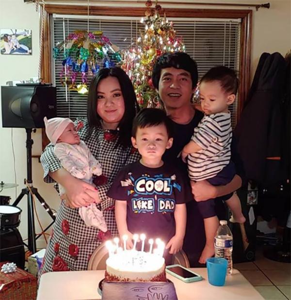 Gia đình nhỏ với 5 thành viên của Xuân Mai bao gồm vợ chồng cô và các con Bean, Bo và Nu.