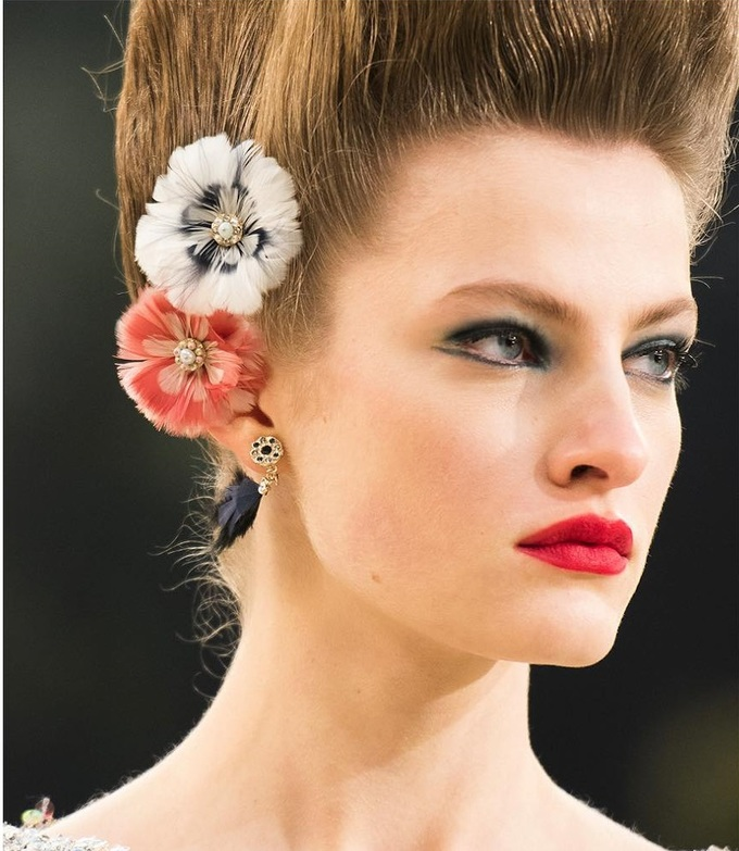 7 kiểu trang điểm ấn tượng nhất tuần lễ thời trang Paris