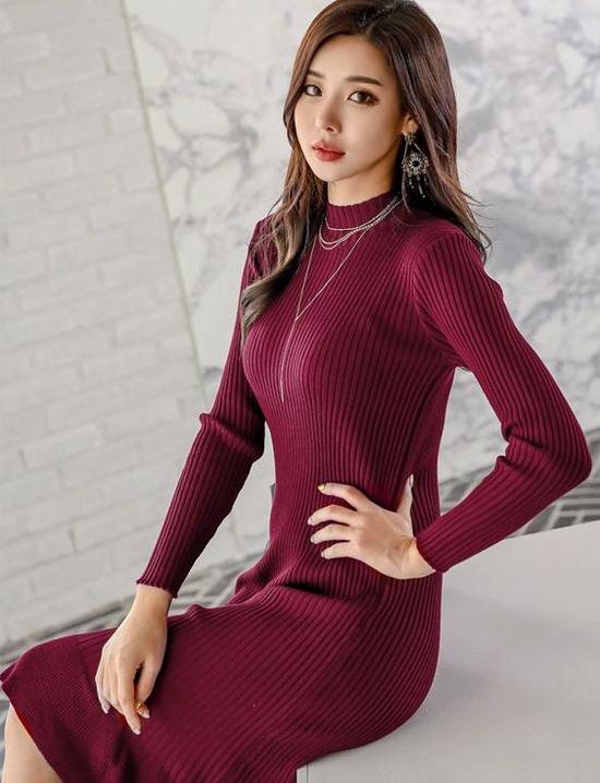 Len là một trong những nguyên liệu được yêu thích ở mùa đông. Cũng như vải nỉ, vải dạ, đây là chất liệu có khả năng giữ ấm cao.