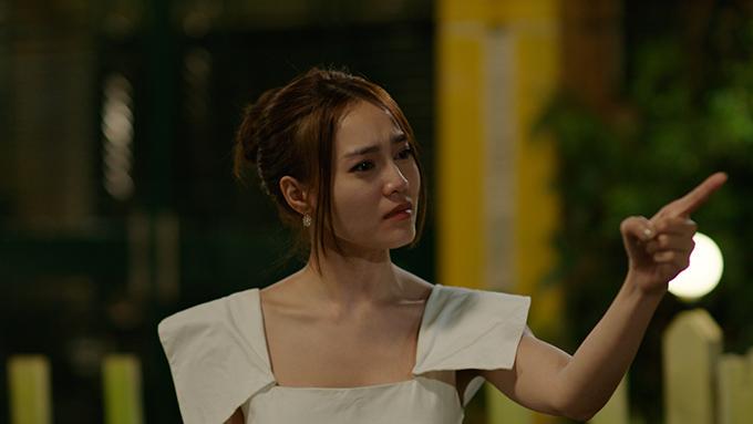 Lan Ngọc xinh đẹp và diễn nhiều cảm xúc.