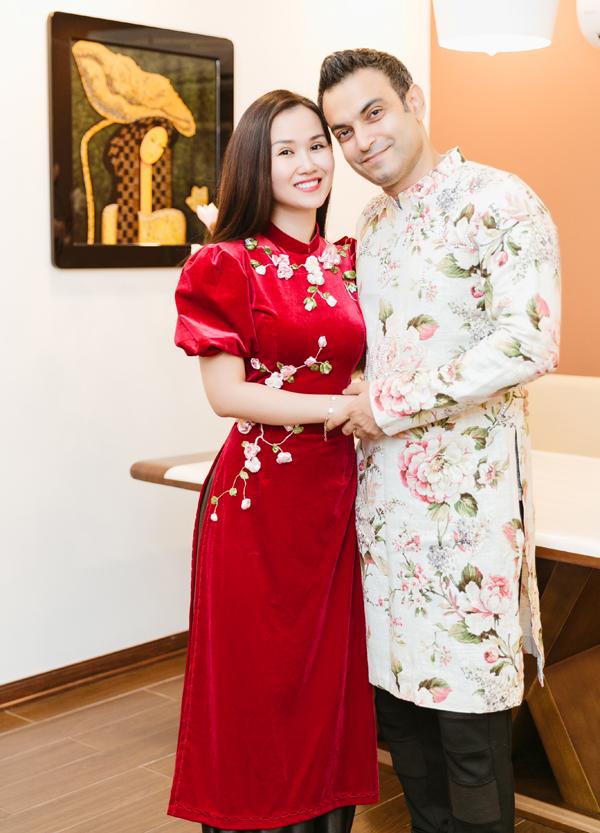 [Caption]  Ekip:  Producer: Nguyễn Thiện Khiêm  Photo: Trường Sơn  Costumes: NTK Nhật Dũng