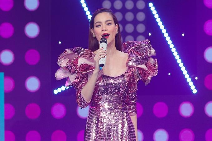Hồ Ngọc Hà là khách mời chương trình ca nhạc chào đón năm mới Tết HTV.