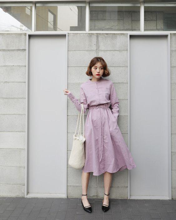 Váy thắt eo gam hồng xám khói dành riêng cho những cô nàng có làn da trắng sáng. Khác với tông hồng phấn, hồng nude, đây là gam màu khá kén da.
