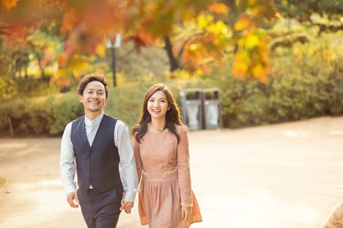 Thụy Vy hạnh phúc bên chồng trong ngày đầu hôn nhân mới mẻ.