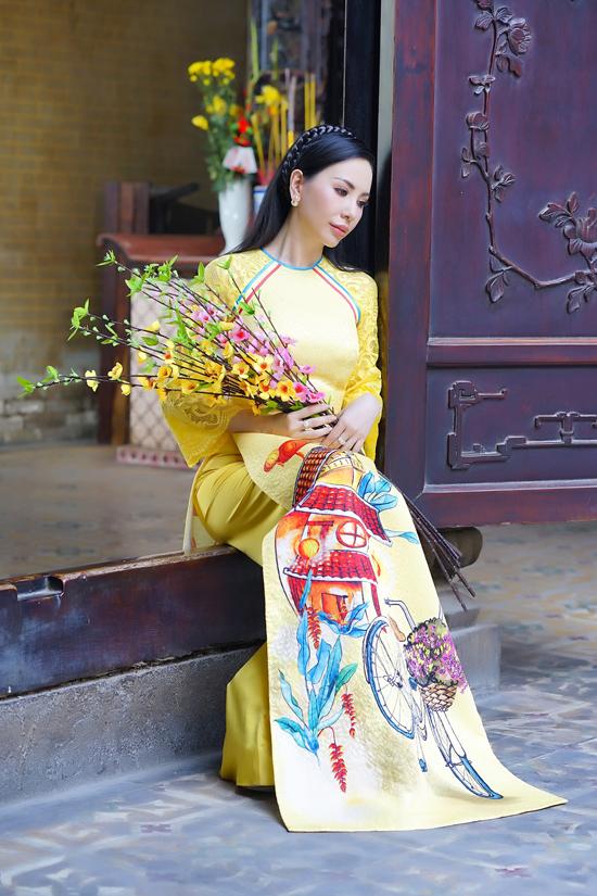 Đứng sau tông đỏ là sắc vàng hoàng kim, đây là một trong hai tông màu được người châu Á chuộng nhất vào dịp Tết Nguyên Đán.