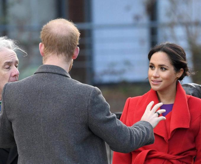Mái tóc ngày càng thưa và lộ nhiều da đầu của Hoàng tử Harry. Ảnh: Sun.