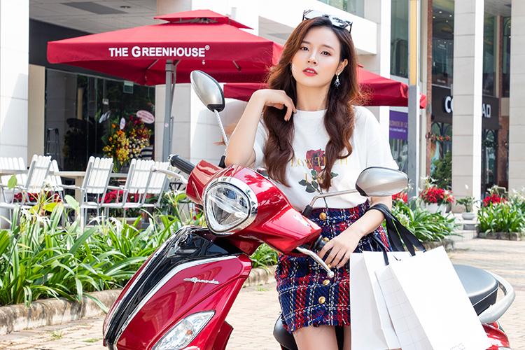Midu bày mẹo chọn xe tay ga hiện đại, tiết kiệm nhiên liệu cho phái đẹp