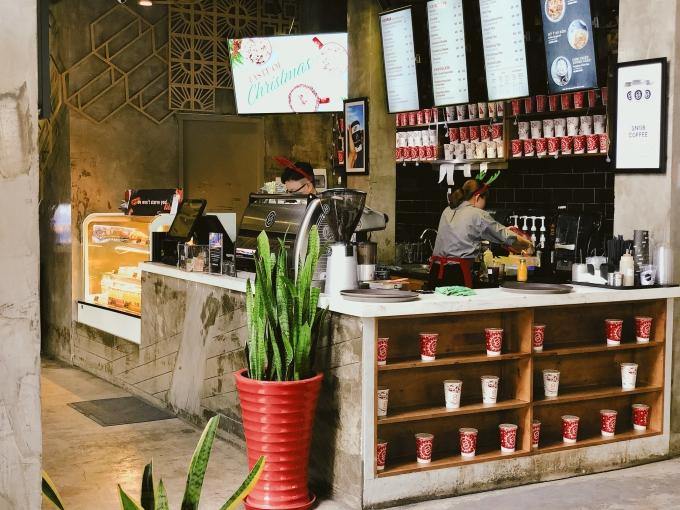 Quán cà phê ở Sài Gòn dành cho người không đi xem pháo hoa - 2