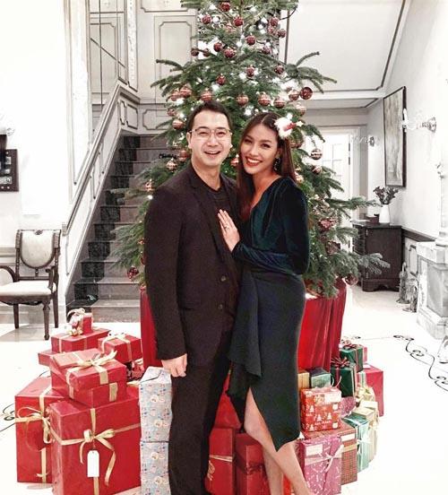 Lan Khuê và Tuấn John kết hôn đầu tháng 10/2018, sau một thời gian dài bí mật hẹn hò. Từ khi công khai mối quan hệ, Tuấn John thường xuyên đăng những khoảnh khắc ngọt ngào của cả hai trên mạng xã hội.