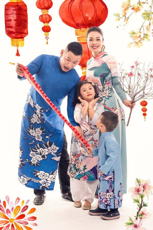 Bộ ảnh được thực hiện với sự hỗ trợ của stylist Tân Đà Lạt, make-up Tony và áo dài của NTK Thuỷ Nguyễn.
