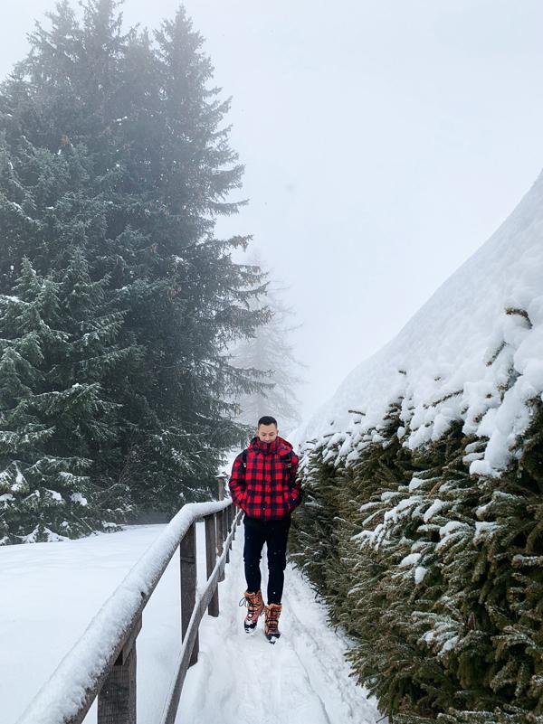 Nơi này tuyết phủ trắng xóa, cảnh vật nhìn rất ấn tượng.