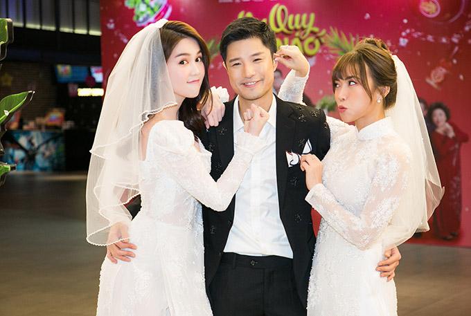 Diễn viên Hồ Vĩnh Anh bị hai cô dâu ngổ ngáo hành hạ tại buổi ra mắt phim.