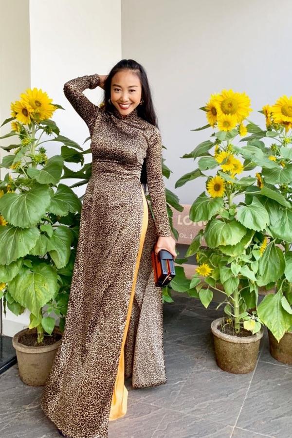 Đoan Trang rủ hội bạn thưở nhỏ chụp ảnh áo dài - 7