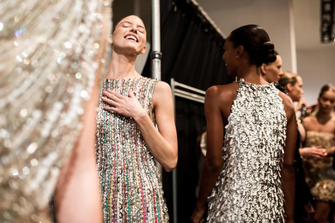 Khi được hỏi về cảm xúc của các thiên thần nội y khi lần đầu trình diễn cho nhà mốt Việt tại New York Fashion Week, Công Trí chia sẻ:Họ thích thú và ngỡ ngàng. Vì lần đầu tiên trình diễncác thiết kế của NTK Việt Nam.