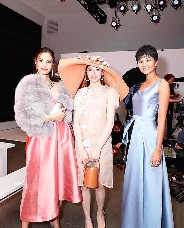 Sella Trương biến hóa phong cách dự NewYork Fashion Week - 5