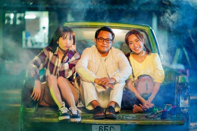 Ngọc Trinh (trái), La Thành và Diệu Nhi vào vai nhóm bạn thân bị gia đình ép cưới.