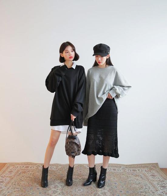 Chọn váy áo ton-sur-ton là thói quen được nhiều chị em công sở yêu thích. Đặc biệt đối với những đôi bạn hay các nhóm chơi thân họ thường chọn trang phục cân xứng để thể hiện tinh thền team work.