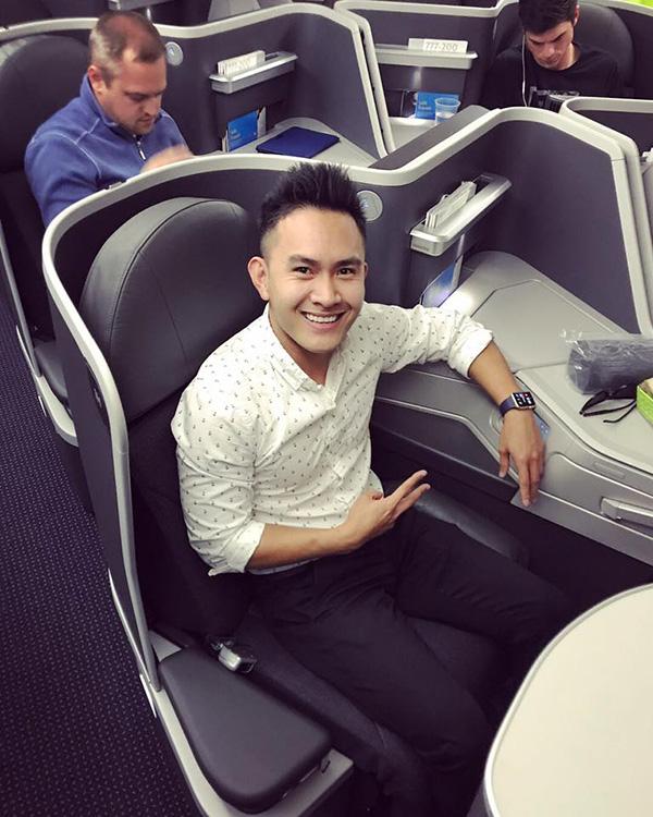 Trên trang cá nhân, Thành Vinh chia sẻ anh tốt nghiệp ngành kỹ sư cơ khí và làm việc tại một hãng hàng không của Mỹ.